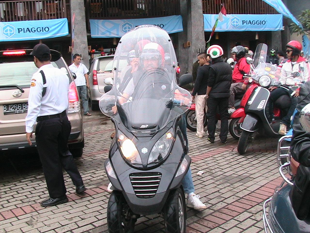 piaggio mp3 250 pun diborong   edo rusyanto's traffic