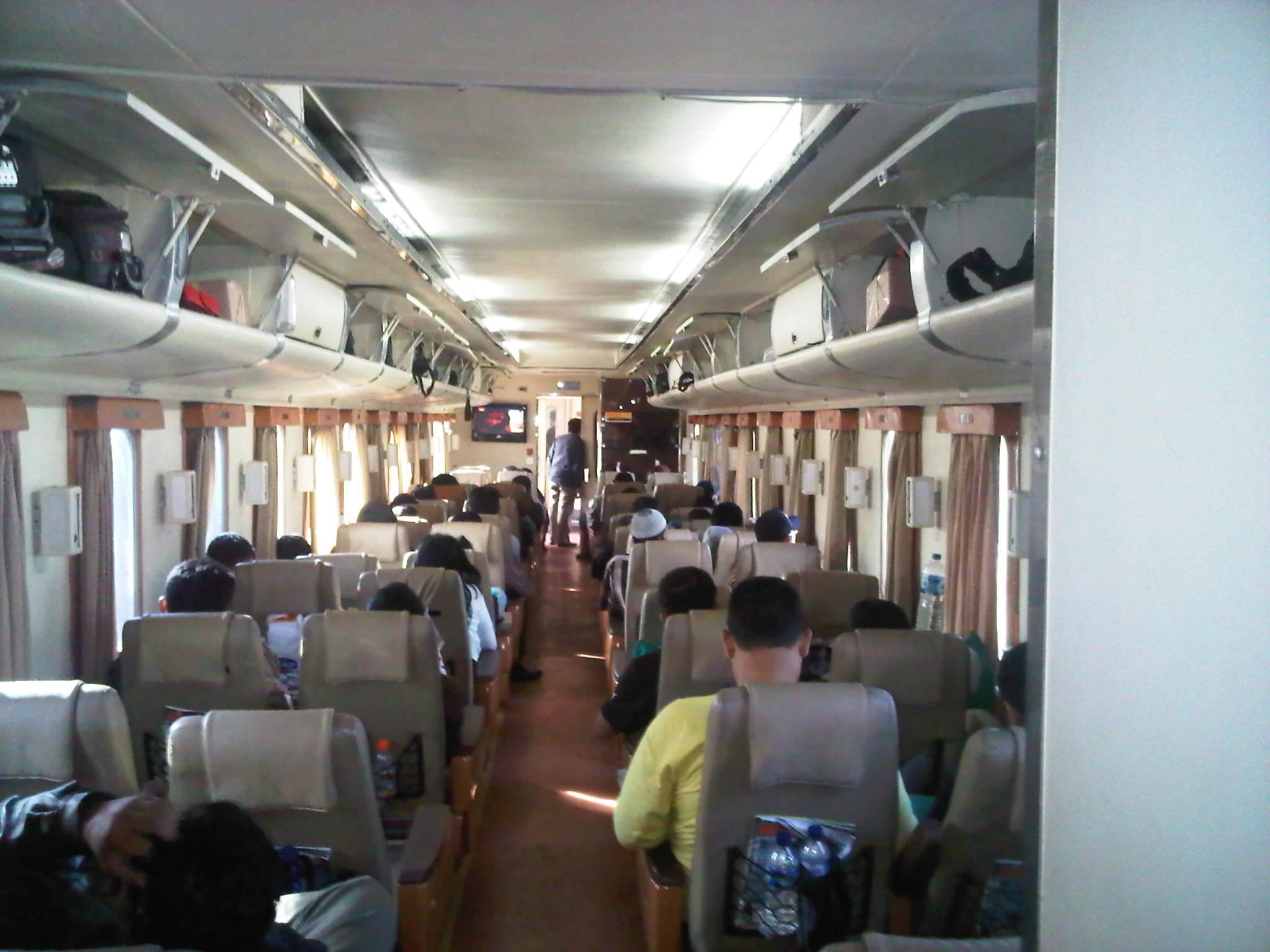 Foto di Dalam Kereta Api Suasana di Dalam Kereta Api