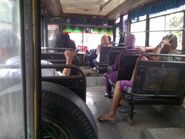Drama Satu Babak Angkutan Kopaja