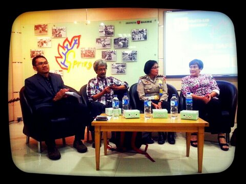 bakrie universitas talkshow road safety_ivan