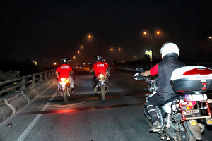 sotroc-riding-malam-bayu