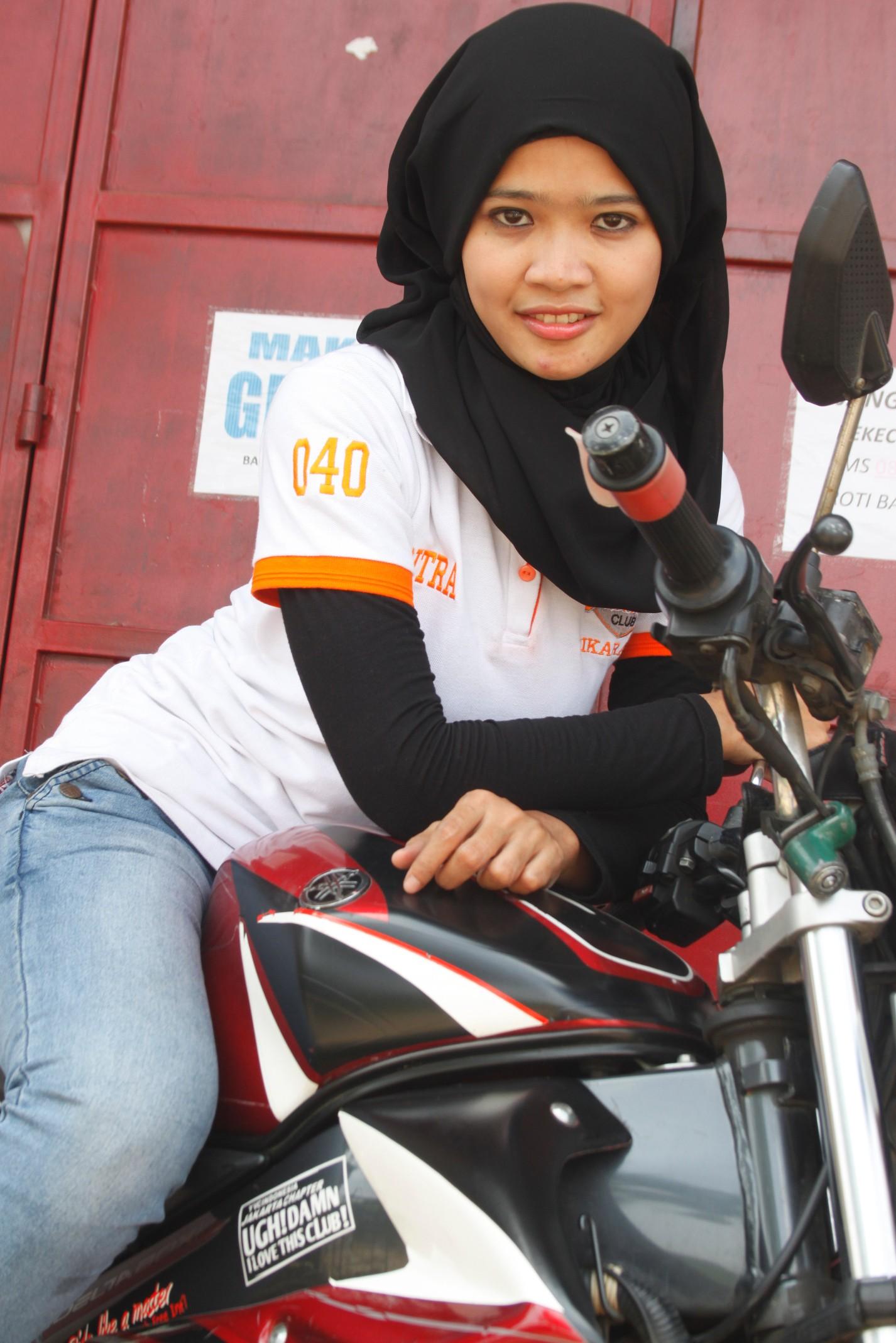 Hijaber Tetap Cantik Kok Pake Helm Edo Rusyantos Traffic