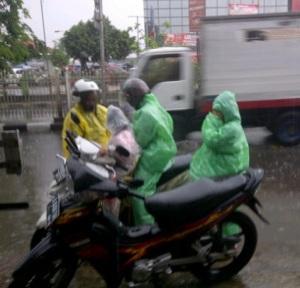 hujan pemotor berempat