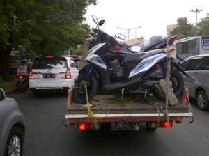 angkut motor pickup