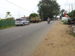 jalan tanpa pemisah