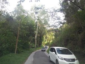 kawah putih jalan mobil menuju kawah