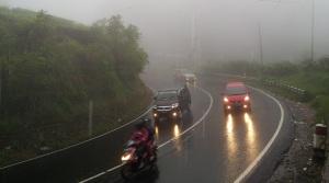 lampu kendaraan berkabut