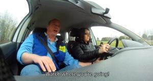 ponsel mengemudi brussel_youtube