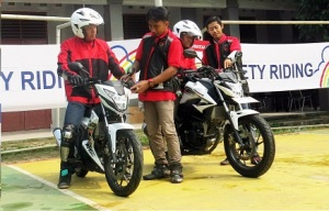 safety riding hnr 2016_ahm