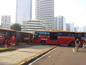 separator busway jaksel
