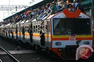 krl dan penumpang_antara