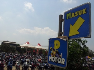 parkir motor water kingdom