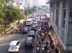 busway mampang motor1