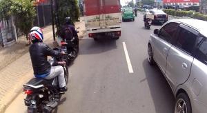 motor-dan-mobil-di-jalan-jakarta2