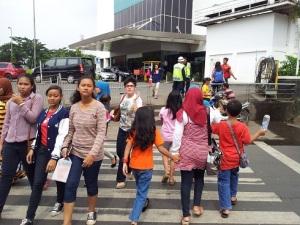 pedestrian-nyeberang-jalan