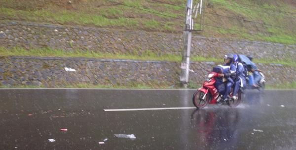 hujan-bike-moto1