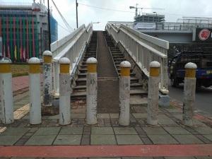 jpo-dipatok-beton-mt-haryono-2017b